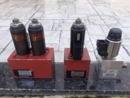 Blocos hidráulicos com válvulas