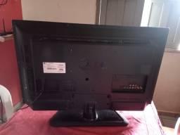 Vende-se Tv - 32 Polegadas Com Defeito