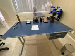 Título do anúncio: Vendo mesa de escritório extremamente nova, nunca usada.