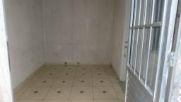 alugo casa 1quarto sala cozinha banheiro