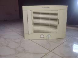 Título do anúncio: Ar condicionado Eletrolux 10.000 Btu ! PRA SAIR HOJE