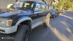 Título do anúncio: Hilux 4x4 diesel completa R$50.000,00