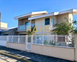 Título do anúncio: Casa em condomínio fechado, localizada no inicio do Vila Nova, 3 quartos, sendo 1 suíte