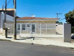 Título do anúncio: Casa para alugar com 3 dormitórios em Alto cafezal, Marilia cod:L16049