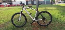 Título do anúncio: Mountain Bike Aro 26 ? CARBONO