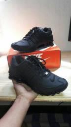 2 Tênis Nike R$325,00