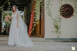 Vendo Vestido de Noiva com véu e grinalda + robe da Noiva