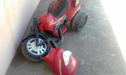 Triciclo elétrico  infantil