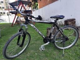 Bicicleta aro 26 semi-nova