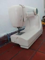 Maquina de costura Elgin Genius JX 4000: 300R$