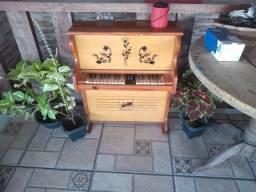 Título do anúncio: Piano Henrique infantil antigo