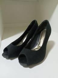 Título do anúncio: Sapato salto preto