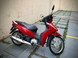 Título do anúncio: Biz 110i vermelha apenas 5.556 Kms rodados!! Moto de mulher- ÚNICA DONA