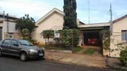 Casa à venda com 5 dormitórios em Centro, Jaboticabal cod:V1119