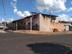 Casa à venda com 3 dormitórios em Parque das araras, Jaboticabal cod:V4112