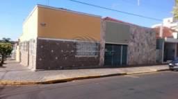Casa à venda com 3 dormitórios em Centro, Jaboticabal cod:V690