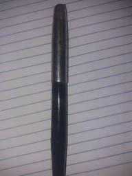Antiga caneta tinteiro Parker.
