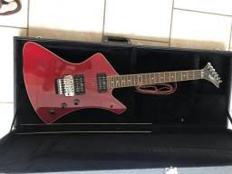 Guitarra Washburn A10 explorer