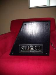 Caixa sub amplificada