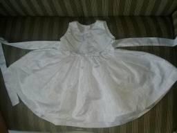 Vendo esses vestidos 0 a 1ano entrego