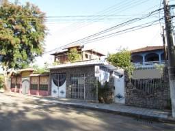 Casa triplex em Morada de Camburi