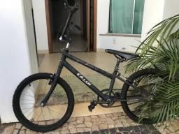Bicicleta CALOI modelo BMX Aro 20