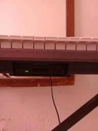 Vede-se teclado roland exr s5 muito conservado