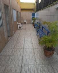 Apartamento em Mongaguá c/ Wi-Fi- Pertinho de tudo- Praia 05 min.a pé !!!