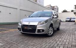 Renault Sandeiro Expression 1.6 Flex com GNV - Entrada + parcelas em até 60 meses