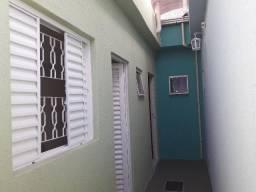 Alugo Suites (Quarto)R$ 650,00-Mobiliados/Individuais / Estudantes ou não!!