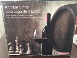 Kit vinho com xadrez acompanhado