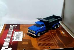 Revista Altaya c/ Miniatura caminhão Dodge D950 1:43
