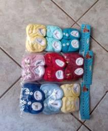 12 Pacotes com três sapatos de bebê
