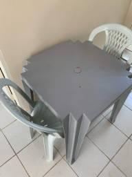 Título do anúncio: Mesa de plástico com cadeiras