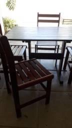 Título do anúncio: Mesa de jantar em madeira mais 4 cadeiras