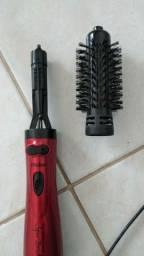 Escova secadora e modeladora usada