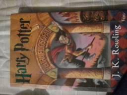 Livro harry Potter e a pedra fisolofal semi novo