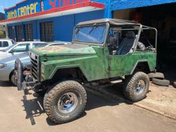 Título do anúncio: CBT Jeep Javali  Diesel 4x4, reduzido. Vendo ou troco por carro ou moto do meu interesse