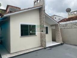 Título do anúncio: Linda Casa de 2 dormitorios com 54m² - R$ 2100,00