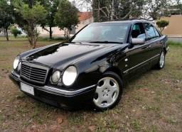 Título do anúncio: Mercedes E420 1997 V8 - 128.000km - Colecionador