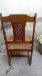 Título do anúncio: Cadeira de madeira