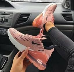 Tênis Nike Air Max 270
