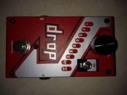 Pedal Drop Digitech, para guitarra e contrabaixo.