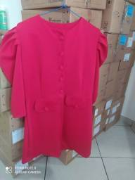 Vendo vestido vermelho com mangas bufantes Tam M pra quem chegar primeiro