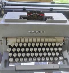 Máquina de escrever olivetti alinea 98
