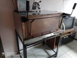 Título do anúncio: Vendo forno industrial e frizer e ralador 2600