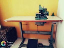 Máquina overloke com mesa e motor,funcionando !