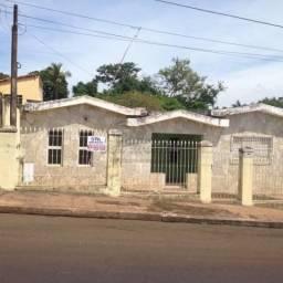Casa à venda com 3 dormitórios em Centro, Jaboticabal cod:V2434