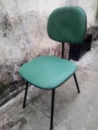 Vendo quatro cadeiras apenas 90,00 zap *