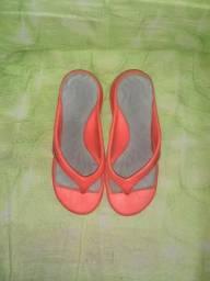 Sandália de dedo feminina leia a descriçao